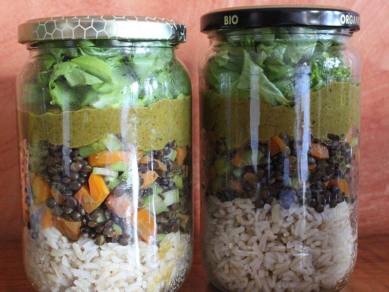 Lentilles béluga, légumes, riz basmati et sauce tomatée au basilic