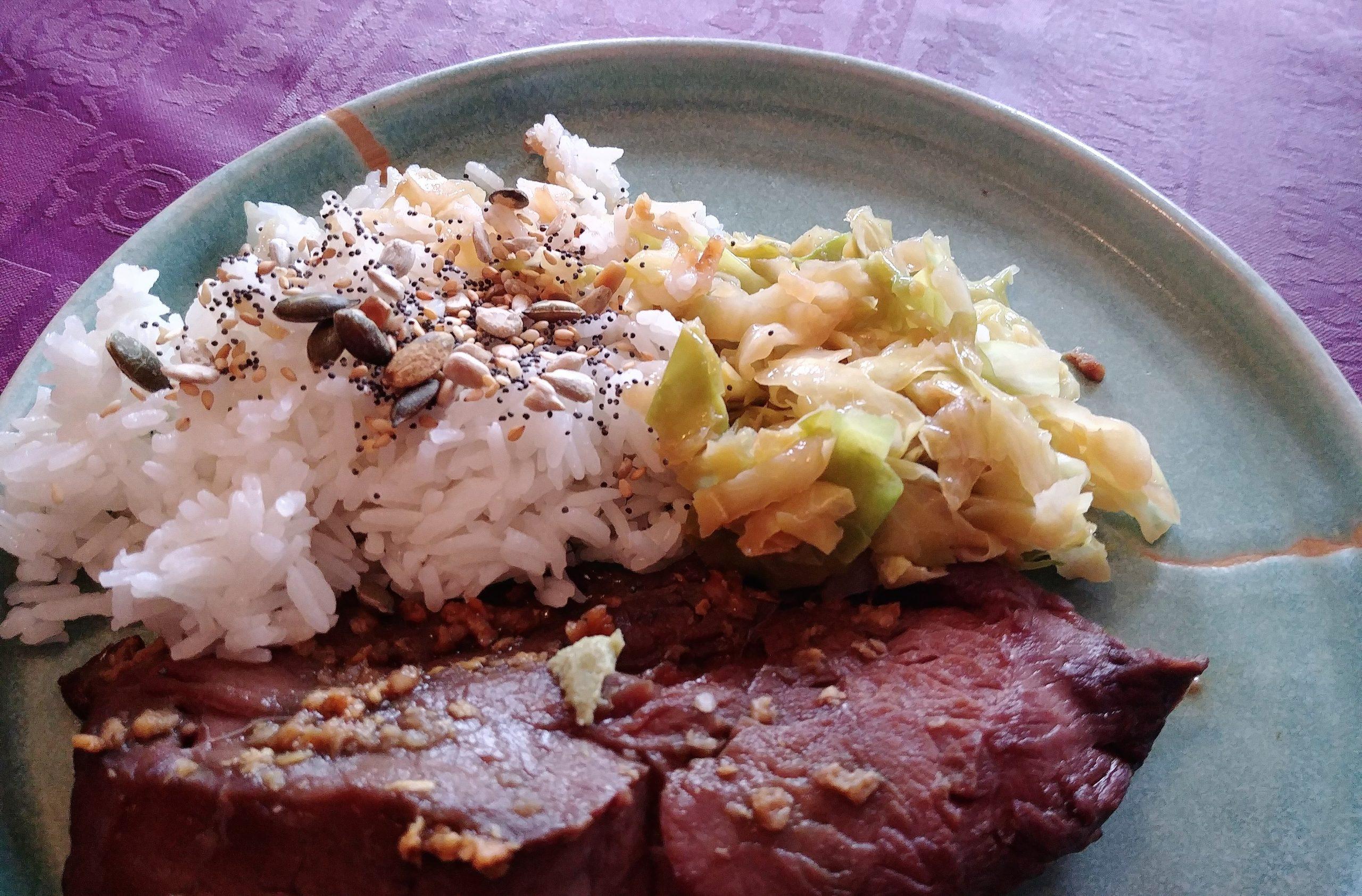 Boeuf Teriyaki, riz jasmin et chou pointu